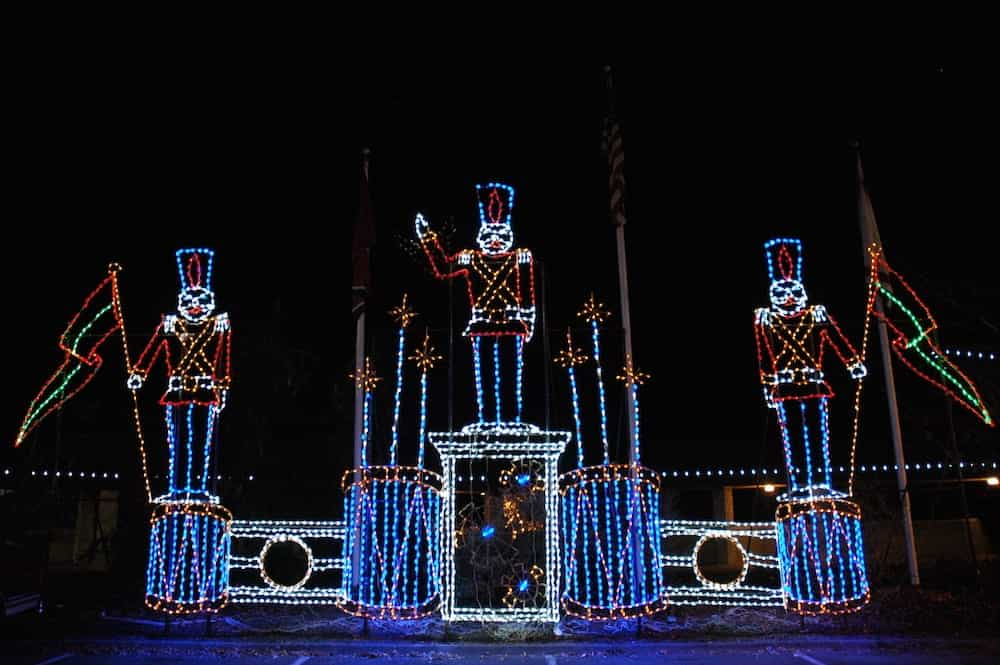 Toy Soliders Christmas Lights In Pigeon Forge Stay With Us At The Oak Tree  Lodge