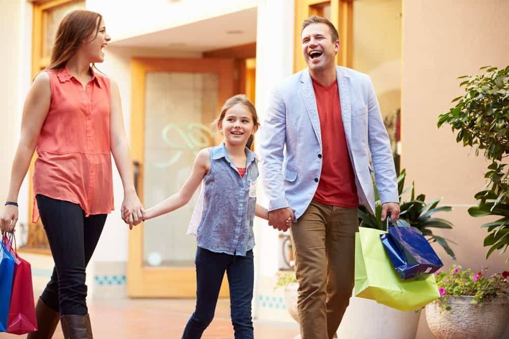 5 Advantages to Staying at Our Hotel Near Outlet Shopping in Pigeon Forge TN