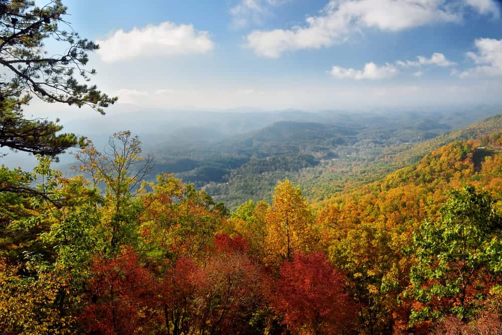 5 Advantages of Spending Your Fall Getaway at Our Hotel in Pigeon Forge Tennessee