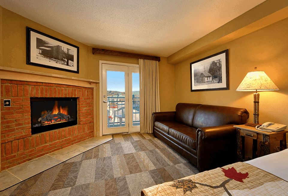 Top 4 Reasons to Plan a Romantic Vacation to Our Hotel in Sevierville TN