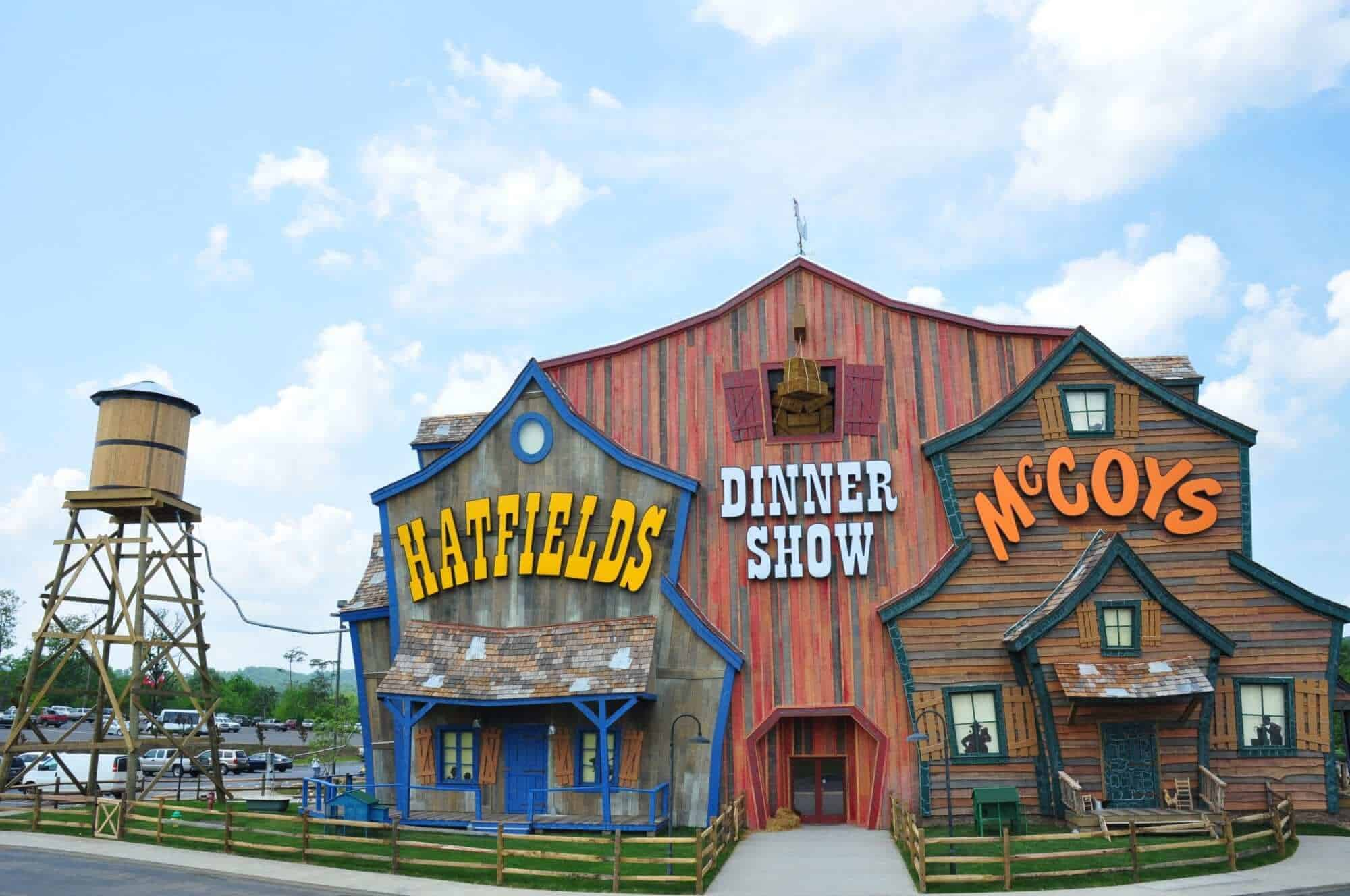 3 Dinner Shows in Pigeon Forge You Need to See on Your Next Vacation