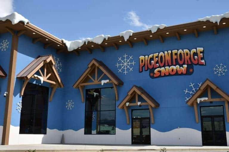 outside of pigeon forge snow