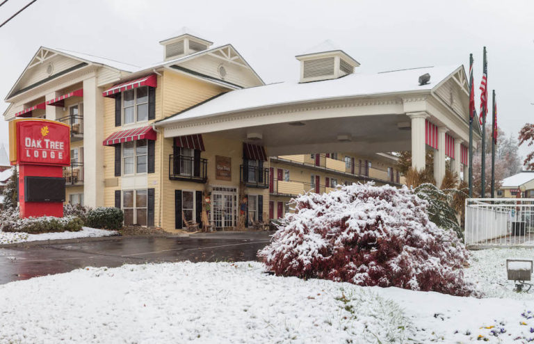 snow at the Oak Tree Lodge hotel in Sevierville